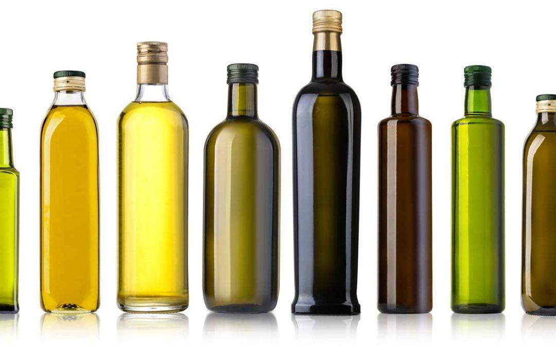 Differenza tra bottiglia d'olio chiara e scura