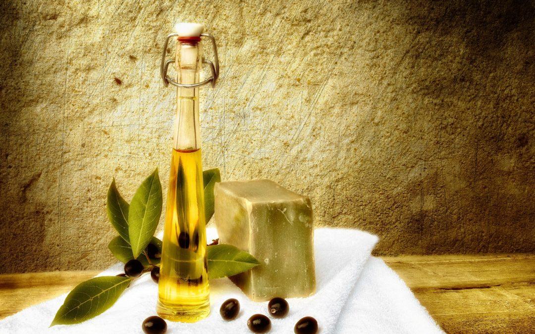 Sapone allo zolfo e olio di oliva: un alleato della pelle