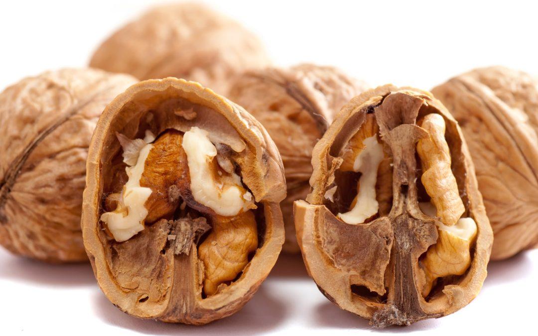 Salsa di noci: proprietà, valori nutrizionali e ricetta