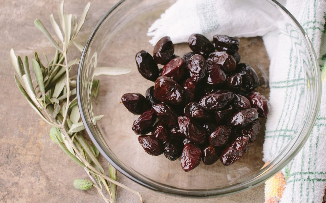 Come fare le olive schiacciate secondo le diverse ricette regionali